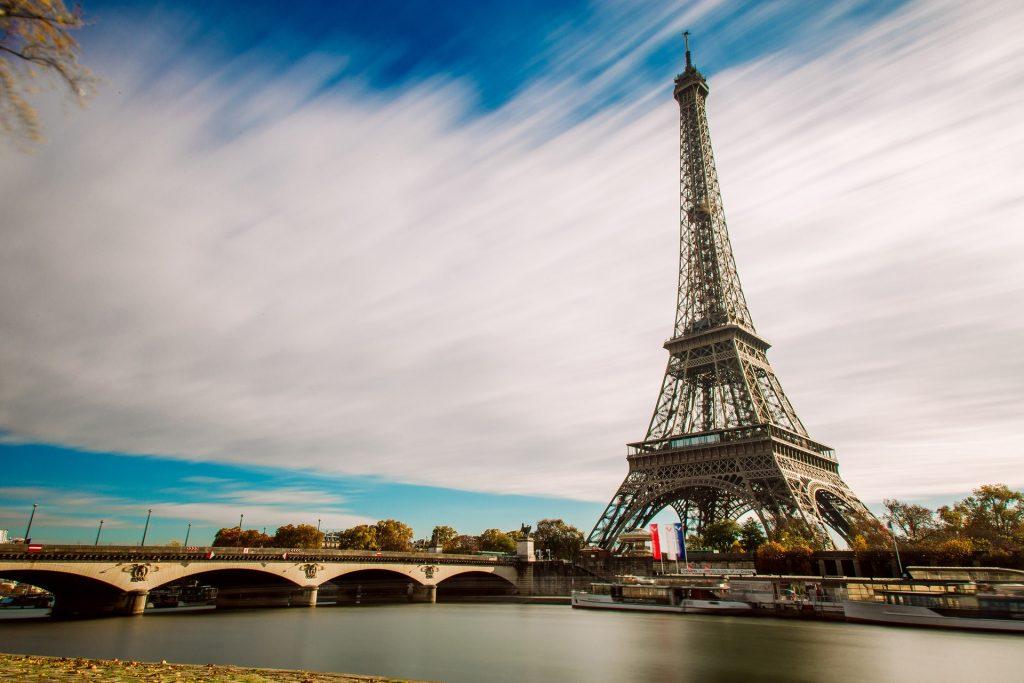 La domiciliation de société à Paris : une réelle opportunité